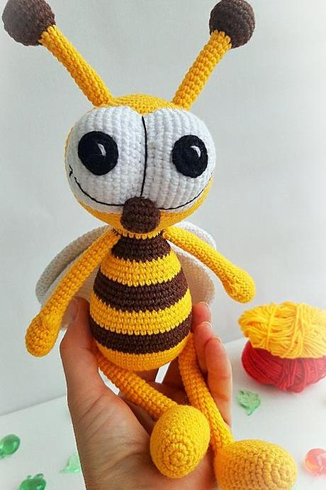 Crochet toy Bee, bugs toys, Christmas gifts for kids, Amigurumi Insects,Birthday gift, Baby shower gift, nursery toys, Baby photo prop